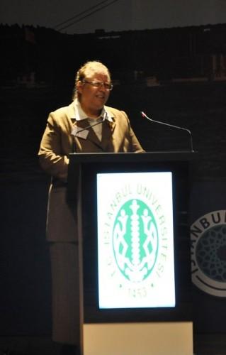 Prof Dr. Nil Sarı