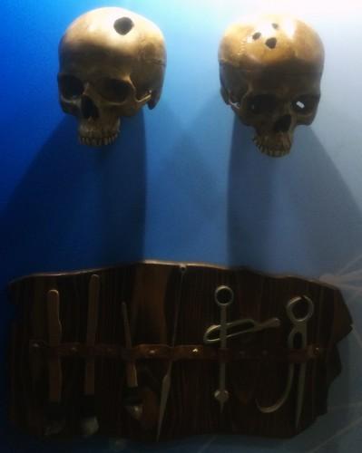 Kötü ruhların işgal ettiği bedenleri, bu ruhlardan kurtarma yollarından biri olarak Trepanasyon(Kafa Deldirme Operasyonu)