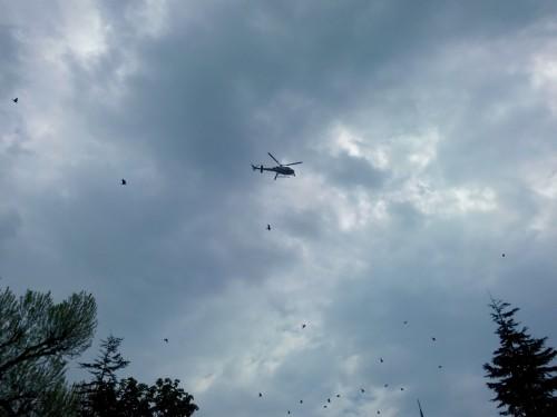 Yarış boyunca görev alan helikopterler Sultanahmet'teki tören esnasında da görüldü.