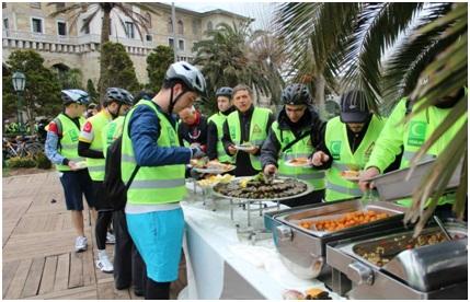 Sepetçiler Kasrı'nda katılımcılara tur öncesinde kahvaltı, tur sonrasında ise öğle yemeği verildi.